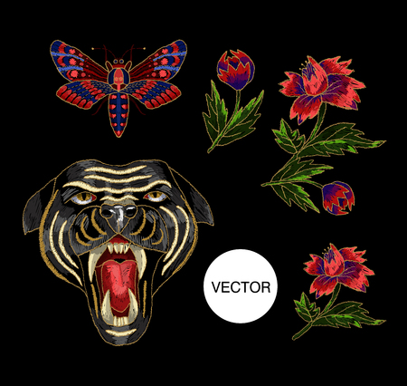 tigre cachorro: Panther, butterfly and flowers embroidery patch