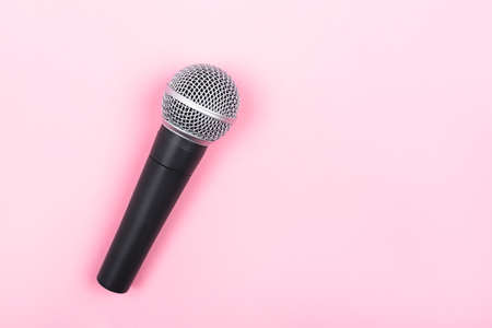 A microphone on pink background. Minimal compostion. 版權商用圖片