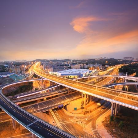 autopista: Hermosa sobrevuelo en la noche