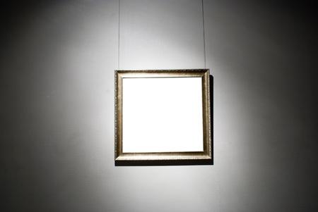 art museum: fotogrammi su parete bianca in museo d'arte