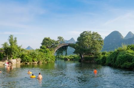 guilin: China Guilin Yangshuo rafting Stock Photo