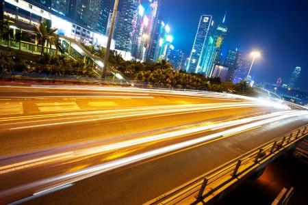 Verkehr in Hong Kong bei Nacht Standard-Bild