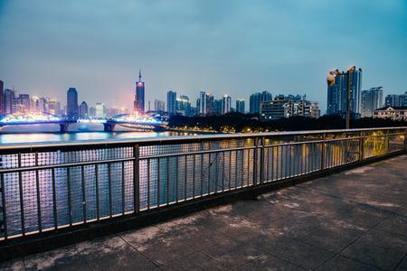 schlagbaum: Guangzhou Landschaft in der Mitte der Nacht