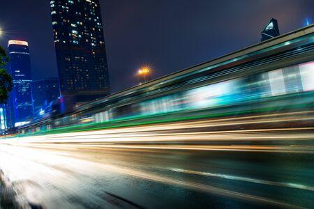 Ruch miejski w mieście Shenzhen w Chinach