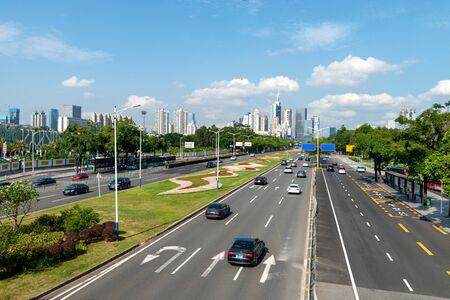 La route de la ville de la ville de Shenzhen en Chine Banque d'images