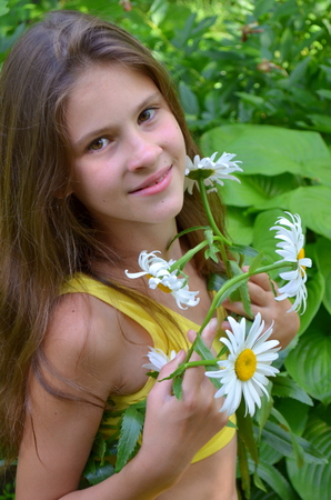 camomiles: Girl with camomiles