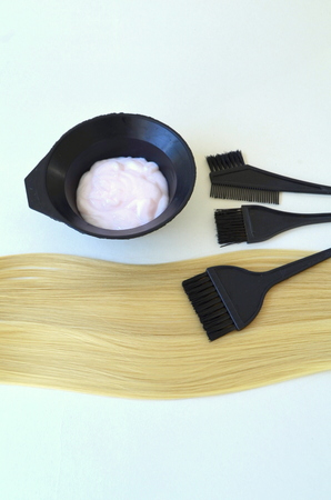 Paint and brush for dyeing hair and strand