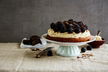 Blackberry cake with mascarpone cream and chocolate