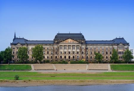 finanzen: Saxon State Ministry of Finance, Dresden