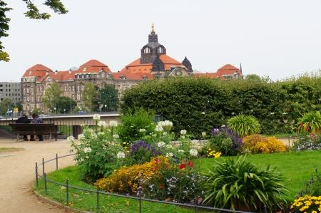 chancellerie: Saxon Chancellerie d'Etat, vue de Bruhl jardin