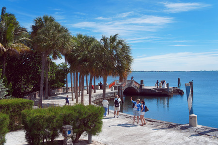 Miami Beach, United States - February 8, 2016: People walk and relax at the Villa Vizcaya Museum in the Miami. Stok Fotoğraf - 56612952