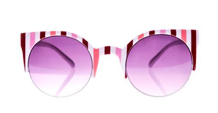 38794185 - Rose y tiras blanco gafas de sol sobre fondo blanco aislado 7b105182def5