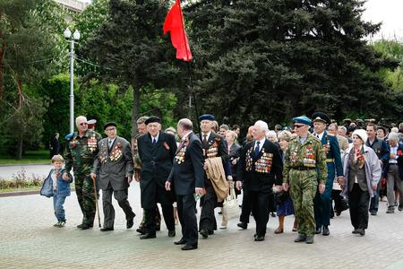 granny and grandad: VOLGOGRAD, RUSSIA - MAY 9, 2009: World War II veterans on Victory Day celebration on the Ploshhad Pavshih Borcov (the Square of the Fallen Fighters) in Volgograd Editorial
