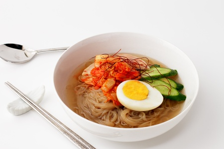 korean style cold noodles photo