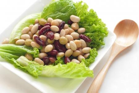 garbanzo bean: healthy beans salad