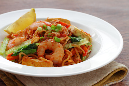 goreng: mie goreng, mi goreng, indonesian fried noodles