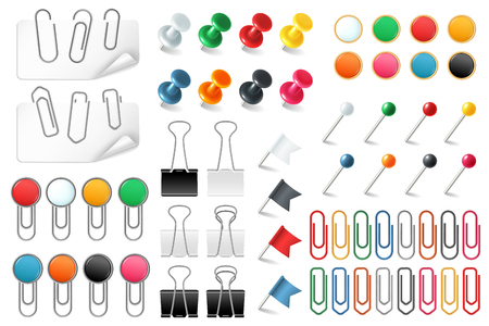 Pins paper clips. Push pins fasteners staple tack pin colored paper clip office organized announcement, stationery realistic vector set 일러스트