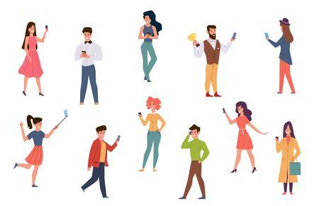 Les gens avec des smartphones. Hommes et femmes parlant au téléphone, vérifiant les SMS sur les réseaux sociaux. Capturez le signal wifi en prenant des personnages de dessins animés de selfie à l'aide du vecteur de la technologie mobile Vecteurs