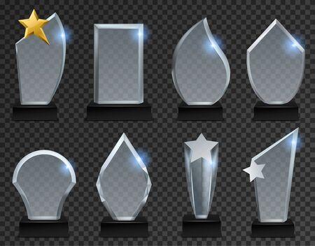 Trophäe aus Glas. Acryl transparente Auszeichnungen in verschiedenen Formen, Kristallplatte auf Sockel für Sport- und Wirtschaftssieger. Plaque modernes glänzendes isoliertes Vektorset