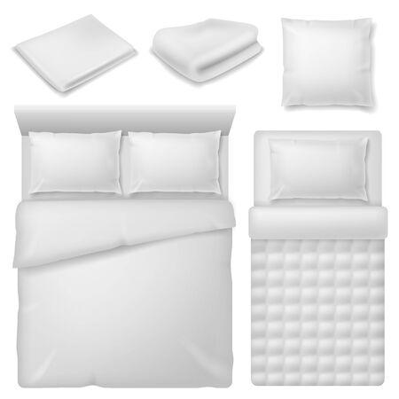 Ropa de cama realista. Cama de vista superior con ropa de cama blanca, manta y almohadas, toalla doblada de algodón suave, conjunto de vectores de textiles para el hogar de dormitorio cómodo Ilustración de vector
