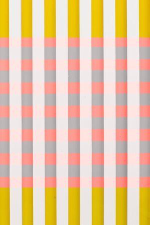 Hintergrundstreifen horizontal vertikal quadratisch gefärbt gelb rosa weiß grau