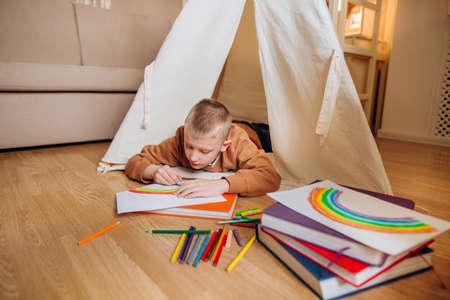 child reading book home teaching kids room school vacation 版權商用圖片