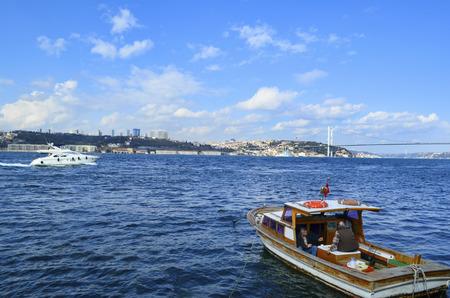 koprusu: Istanbul, Turkey - March 10, 2013: View of the European side of Istanbul from the Bosphorus. The Bosphorus Bridge (Turkish: Bogazici Koprusu), also called the First Bosphorus Bridge, is one of two suspension bridges spanning the Bosphorus strait (Turkish: