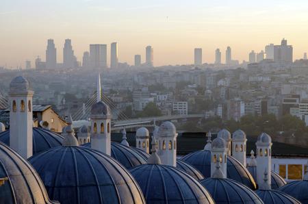 istanbul beach: Sultan Suleiman (Suleymaniye) Madrasah (Rabi) metro bridge across the Golden Horn and the sunrise view of Istanbul Stock Photo