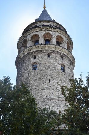 Galata-Turm, eine Festung in der Galata-Viertel von Istanbul. Die Struktur 528 Jahren gebaut wurde, gehört es zu den wichtigsten Symbole der Stadt. Standard-Bild - 69095478