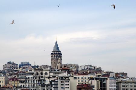 Galata-Turm von Icons von Istanbul. Eine Festung in der Galata-Viertel von Istanbul. Die Struktur 528 Jahren gebaut wurde, gehört es zu den wichtigsten Symbole der Stadt. Standard-Bild - 69315401