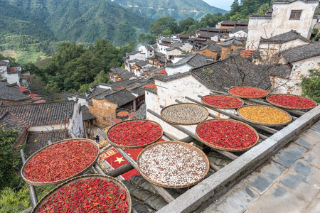 Wuyuan Huang Ling villagers drying their crops