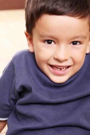 five years old: Divario dentata bambino sorridente, cinque anni di et� Archivio Fotografico
