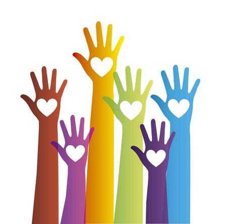 sociedade: mãos coloridas com corações sobre o fundo branco