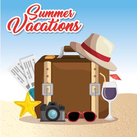 スーツケース、飛行機のチケット、カメラ、夏の休暇でビーチに関連するオブジェクトは、ビーチの背景に署名します。ベクトル illusitration。  イラスト・ベクター素材
