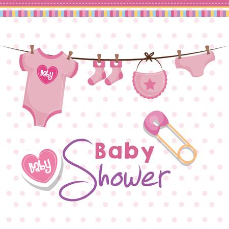 De kaart van de babydouche met het hangen van roze babykleding, veiligheidsspeld en hart over roze gestippelde achtergrond. Vector illustratie.