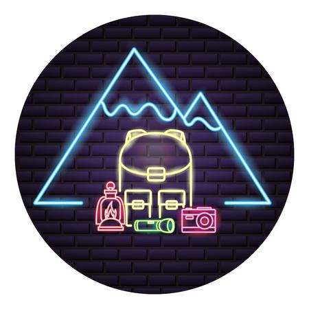 Sac à dos montagne bouteille appareil photo camping néon vector illustration