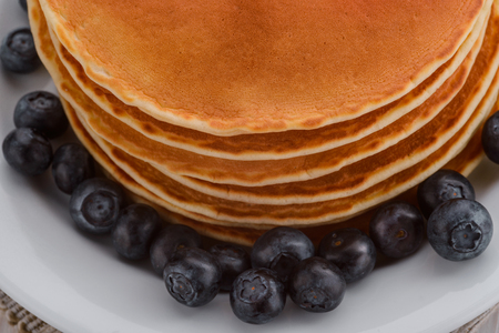 Plate with pancakes and blueberries 版權商用圖片