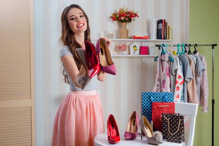 Blogger demonstrates colors of stilettos