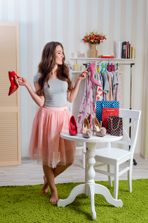 Fashion blogger reviews shoes