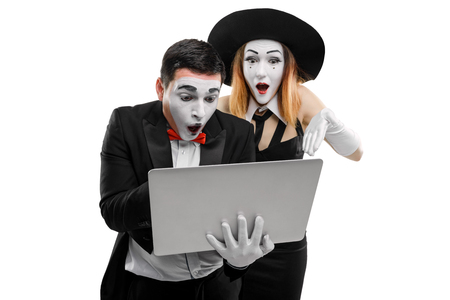 Two mimes saw something inappropriate
