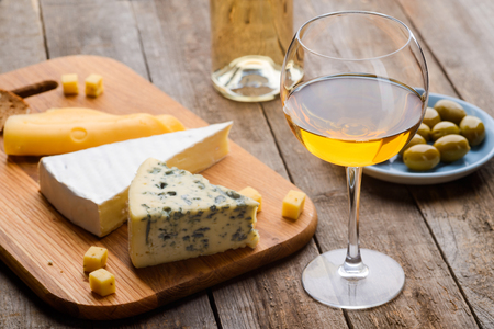 White wine, cheese and olives