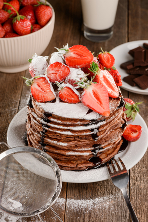 Stack of pancakes with strawberry 版權商用圖片