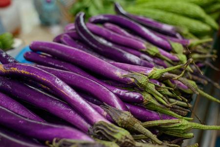 Aubergines chinoises longues violettes Banque d'images