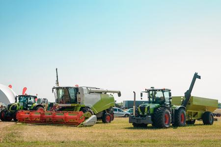 Grain cart and trucks Reklamní fotografie