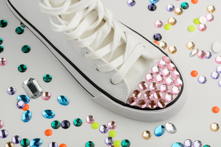 Sneaker toe cup with rhinestones