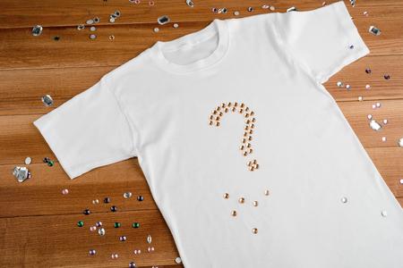 White t-shirt with rhinestones