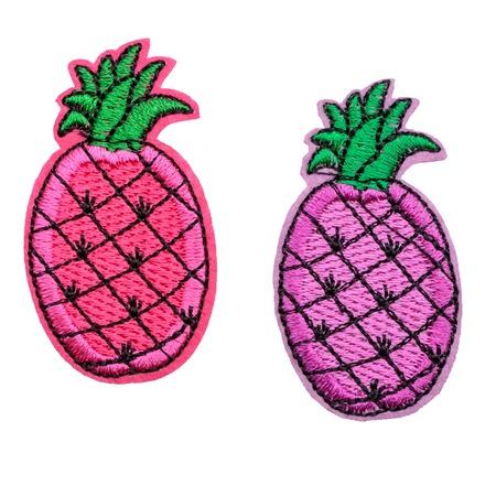 Rosa und violette Ananas