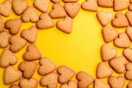 Cookies in shape of heart Foto de archivo - 120740819
