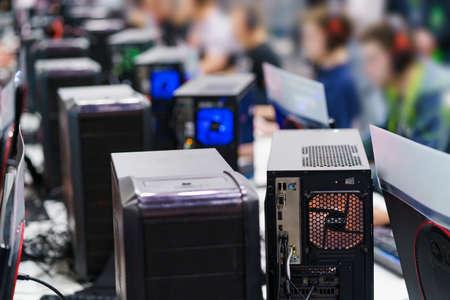 PC towers on gaming tournament 版權商用圖片