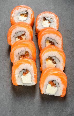 Red caviar sushi rolls 스톡 콘텐츠